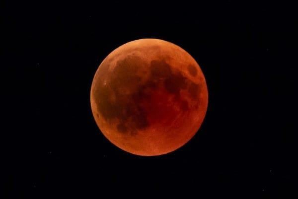 blood-moon-3573267_1920-Edited